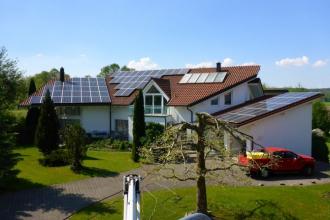 Wann ist der richtige Reinigungszeitpunkt für Photovoltaikanlagen?