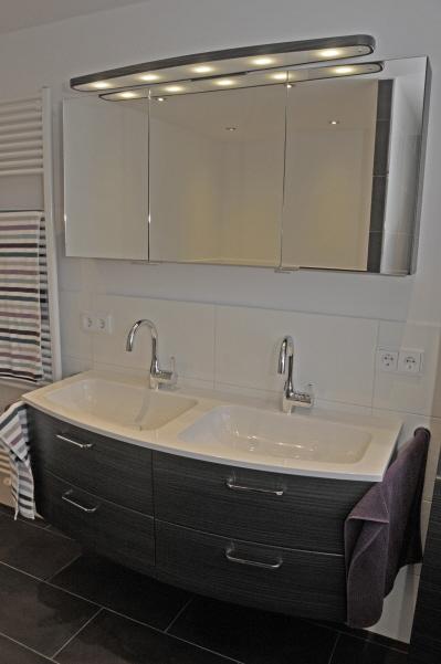 fliesen sch ne meisterbetrieb fliesenleger haar auf. Black Bedroom Furniture Sets. Home Design Ideas