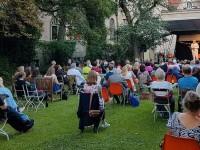 Cabaret-Soiréen im Garten der Seidlvilla
